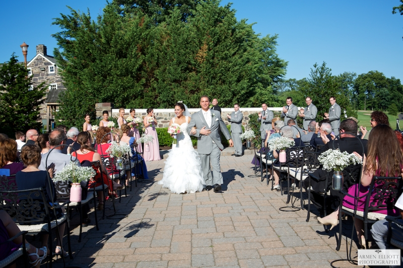 Wedding ceremony at La Massaria Bella Vista in Gilbertsville pa by Armen Elliott Photography