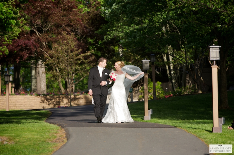 Woodloch wedding couple in Hawley PA by Armen Elliott Photography