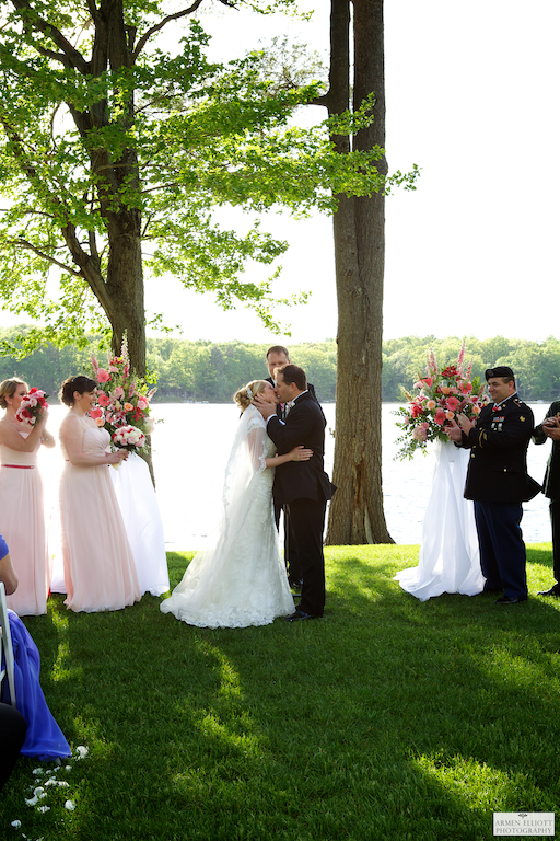 Woodloch wedding photo first kiss