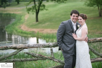 Wedding photography at Riverview Country Club by Armen Elliott Photography